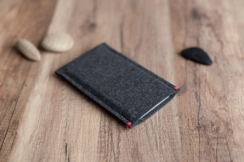 OnePlus case cover sleeve  anthracite felt with colour accent image 0