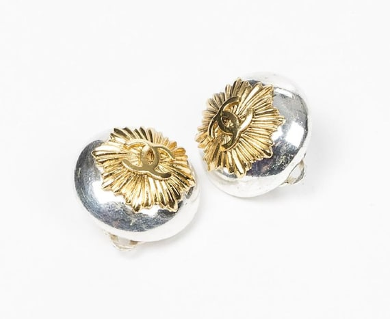 sale Authentic vintage CHANEL SUNRAY button earrin
