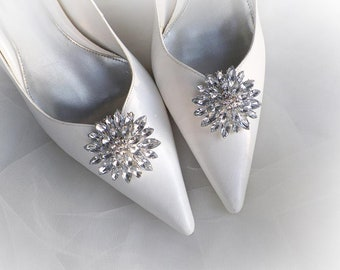 1b5274a03 Vintage art deco style very sparkly round brooch wedding bridal party shoe  clips