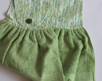 Hanging Hand Towel, Kitchen Hanging Towel, Guest Towel, Kitchen Towel, Kitchen Linen, Bathroom Linen, Hostess or House Warming Gift