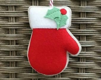 Felt Christmas mitten ornament