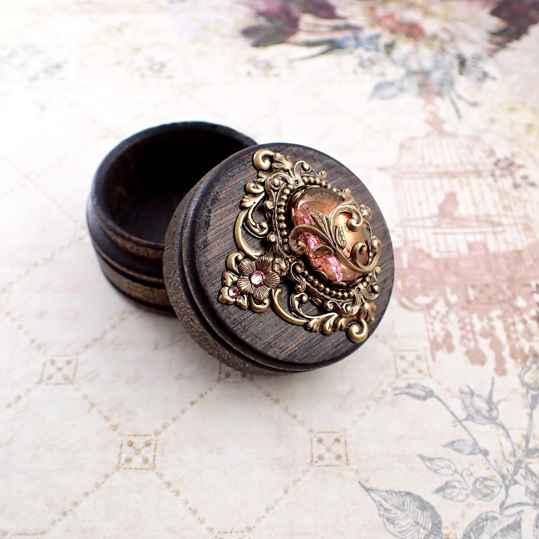 fairytale schmuckst ck gebeizt holz ring box m rchen etsy. Black Bedroom Furniture Sets. Home Design Ideas