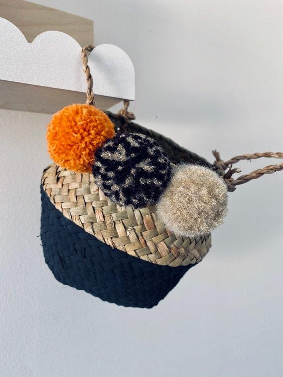 Halloween pom pom basket - trick or treat. Halloween decor/basket. Seagrass basket. Belly basket. Halloween bag. Halloween seagrass basket.