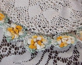 Vintage Crocheted Doily Dresser Scarf