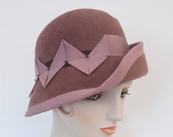 Mauve Cloche. Dusty Pink Velour Felt Hat. Women's Hat. Dusty Rose Flapper Hat. 1920s Style Fur Felt Cloche. Asymmetrical Millinery Pink Hat.