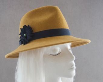 Mustard Yellow Fedora. Women's Hat w/ Navy Blue Ribbon Cockade. Wide Brim Velour Fur Felt. Ladies Millinery. Street Style Spring Accessory.