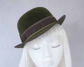 Green Tilt Bowler. Vintage Style Perching Hat. Women's Fall Fashion. Ladies Millinery. Autumn Hat. Hand Blocked Velour Felt. Women's Derby.