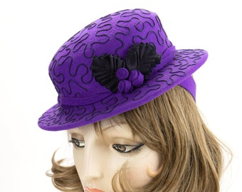 1940s Style Purple Tilt Hat. Violet Wool Perching Hat. Vintage Inspired Percher with Navy Soutache Design. Purple Wool Felt Ladies Millinery