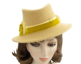 Yellow '40s Fedora. Vintage Style Women's Hat. Butter Yellow Velour Fur Felt Fedora. Ladies Designer Millinery. 1940s His Girl Friday hat.