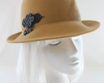 c5efd412e092 Mustard Yellow Fedora. Gold Fur Felt Hat with Black Onyx Beaded Ornament.  Vintage Style Ladies' Felted Hat. Couture Millinery. Autumn Hat