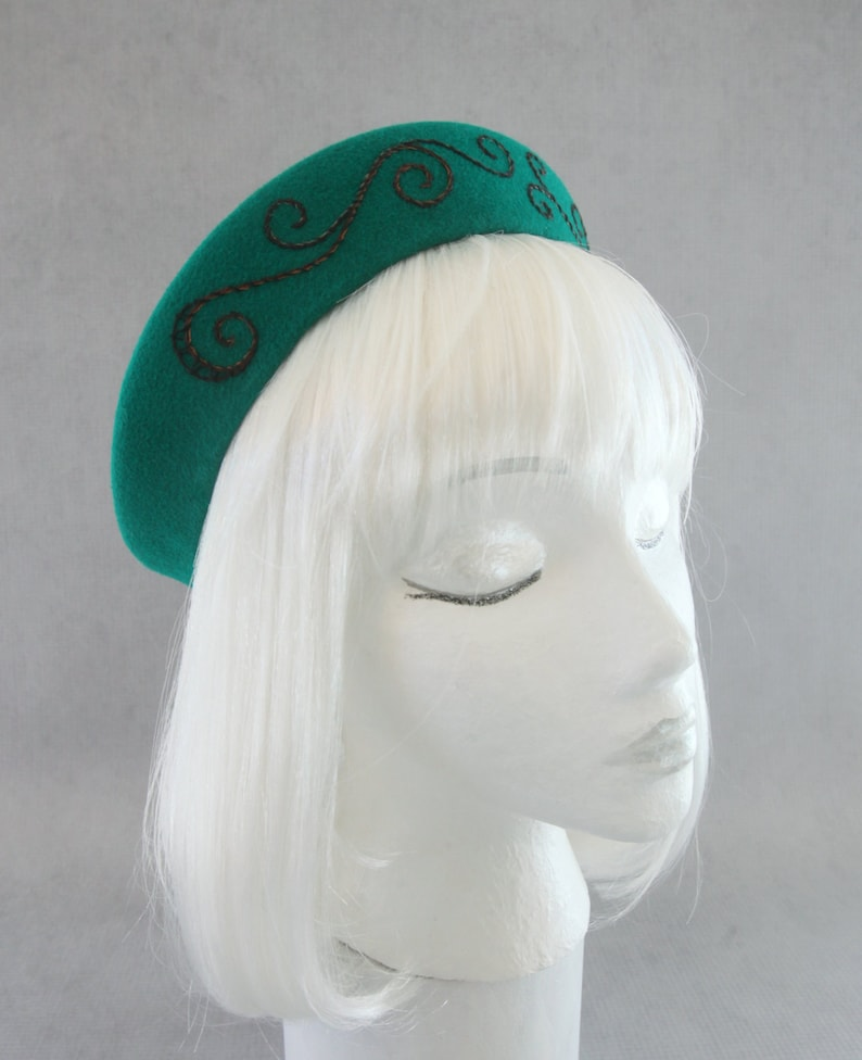 Emerald Green 1940s Style Hat. Halo Hat. Velour Fur Felt image 0