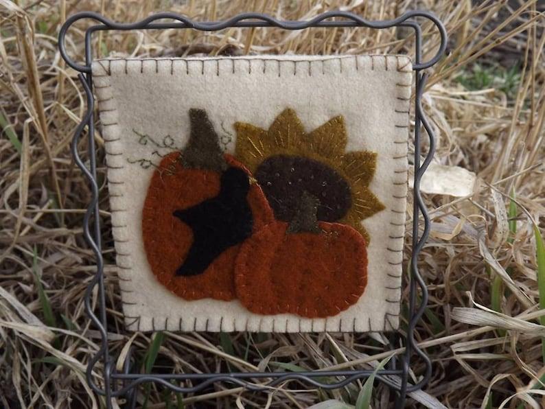Autumn Thyme pattern image 0