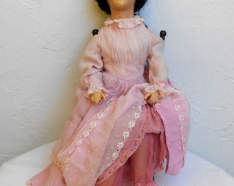 df2e7ebb222 Vintage Collectible Bed  Boudoir Doll in Pink.