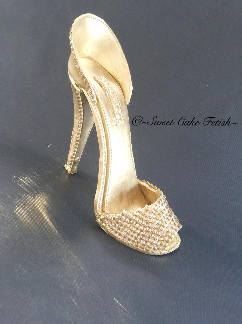 c519d96135792 Gumpaste High Heel Shoe Cake Topper Fondant High Heel Gumpaste shoe High  heel topper Sugar shoes Shoe cake topper Shoe for cakes