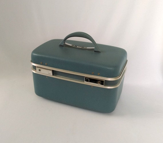 Vintage Train Case, Makeup Organizer, Boyle Train Case With Key, Tray, And  Mirror, Blue With Blue Interior, Makeup Storage, Pink And Blue
