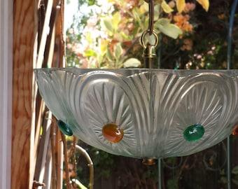 Glass shade birdfeeder