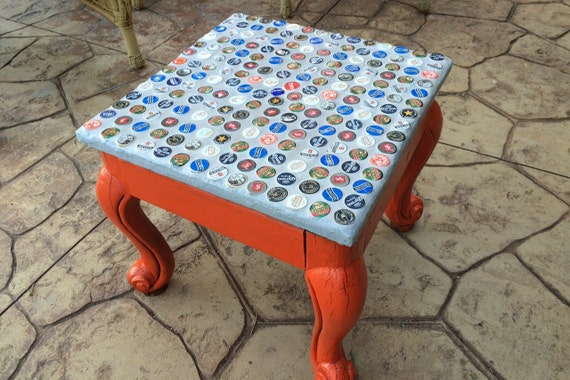 Charmant Beer Or Soda Bottle Cap Table