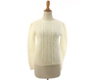 S Womens White mohair sweater 1980s 80s vintage small popcorn fuzzy soft  wool girls Ladies XS extra small jumper ivory cream off white 32b15305a