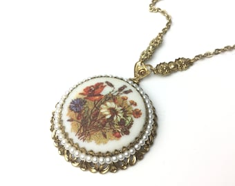 1960s necklace, Hippie necklace, flower necklace, pendant, boho necklace, boho jewelry, 60s jewelry, 1960s jewelry, West German,