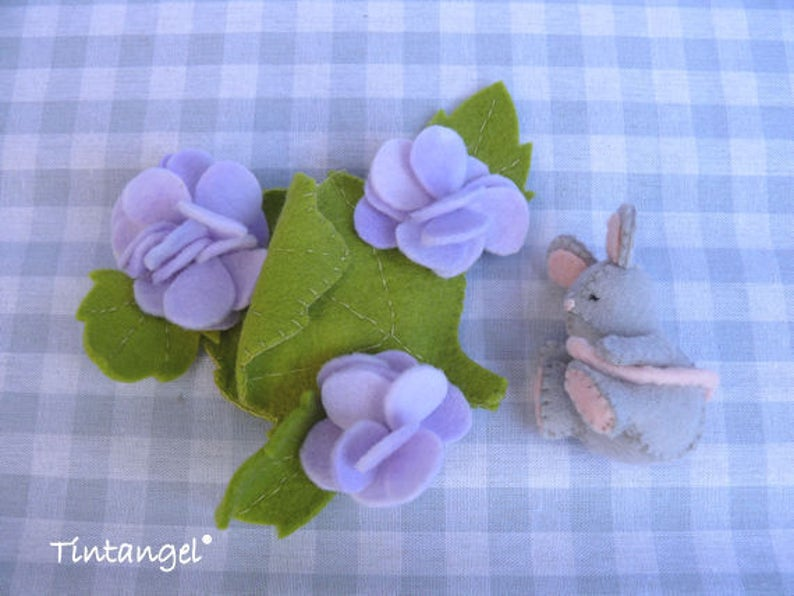 A nap between the flowers DIY kit