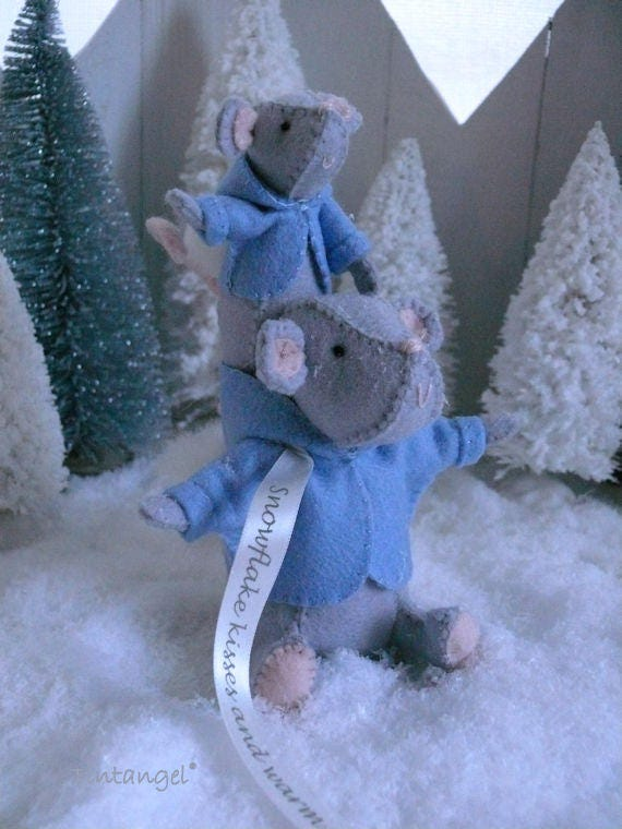 PDF pattern instand download including ribbon send by mail Snowflake kisses and warm winter Wishes