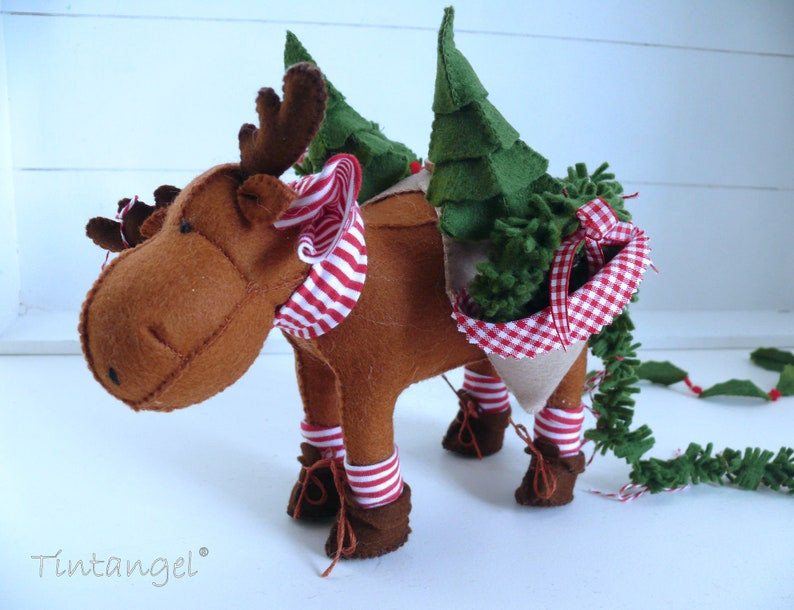 Jingle Moose Christmas Green Service   DIY kit image 0