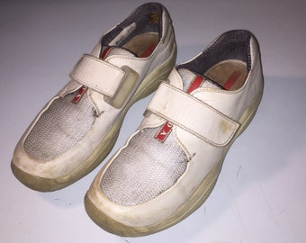 b4446b7140 Sneakers grigio luce futuristico vintage PRADA taglia 38,5
