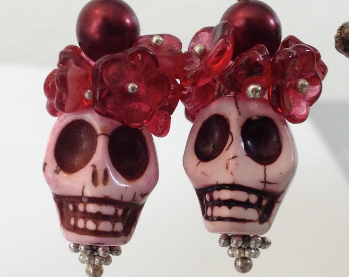 Sugar Skull,Pink Skull, Cranberry flower earrings Day of the Dead, Dia de los Muertos, Frida Khalo, Pink Calavera, Halloween bling