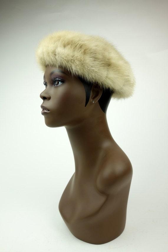 1950s 60s pale blonde mink fur hat, winter beret,