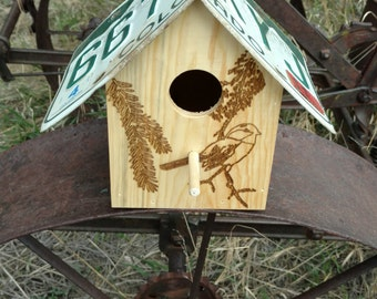 Colorado Birds Chickadee Birdhouse
