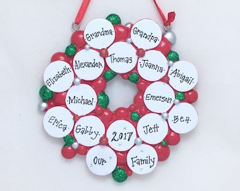 16 Family Ornament / Wreath with 16 Christmas Balls / Personalized Christmas Ornament / Large Family / Reunion / Grandchildren