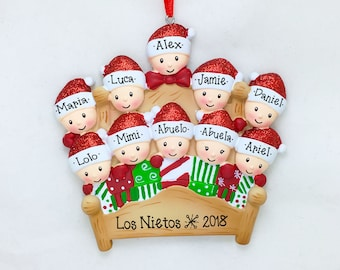 10 Winter Bed Family Ornament / Christmas Quilt / Large Family / Big Family Christmas Ornament / Grandchildren / Reunion