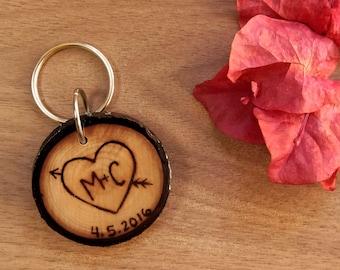 Wooden Keychain, Personalized  Couples Keychain, 5th Anniversary Keychain, Boyfriend Gift, Anniversary Gift, Wood Burned Keychain