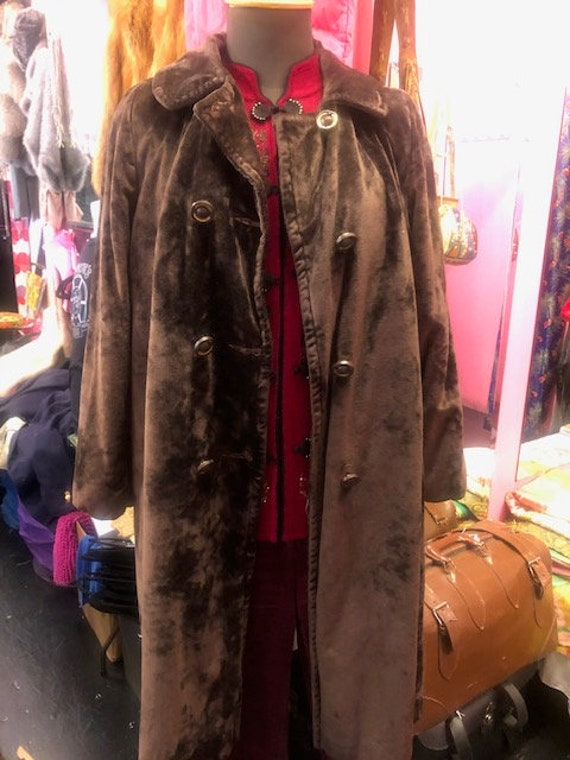 1960's Brown crushed velvet Coat