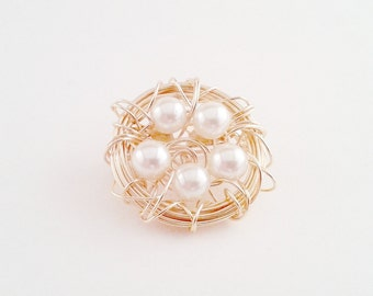Bird Nest Brooch, 5 White Beads in a Gold Wire Nest