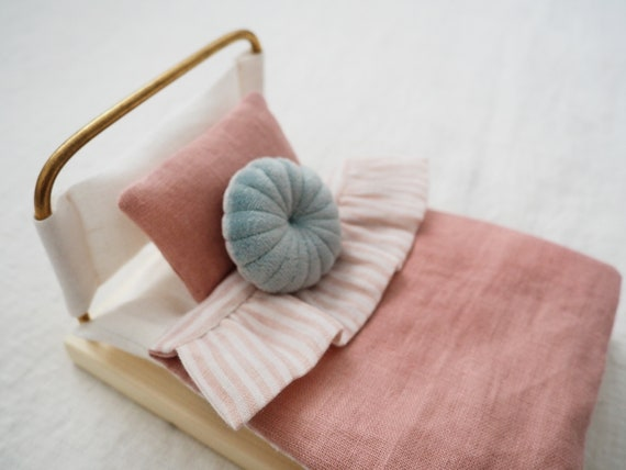 Bed for micro Cerise handmade bed brass wood linen dollhouse pink