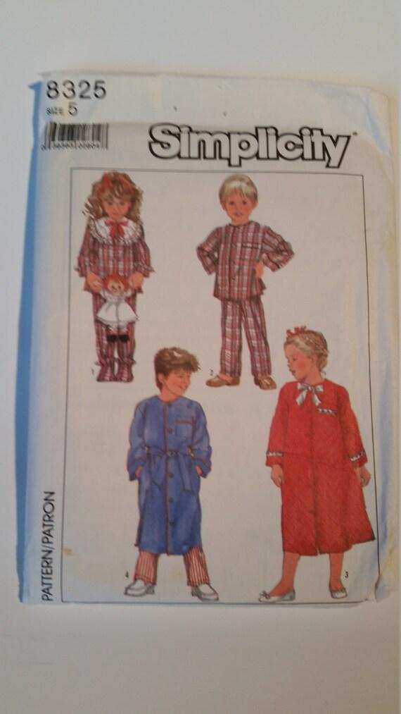 0b20b7068 Bata y pijama de tamaño 5 sencillez Vintage costura patrón 8325 infantil