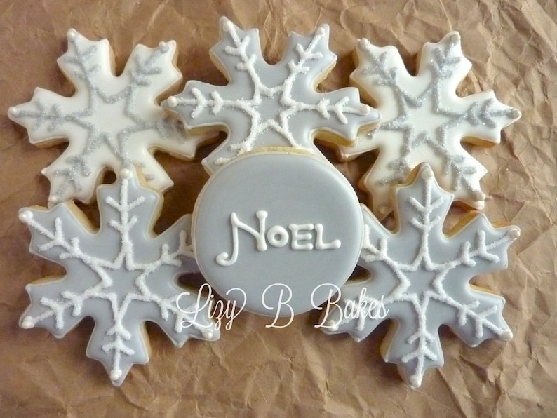Glittery Silvery Snowflake Christmas Cookies image 0