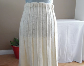 5a819e7df99 Vintage Off-white Hand Knit Skirt