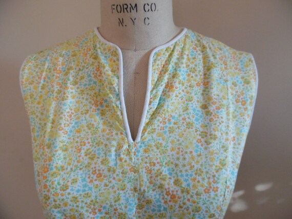 Vintage 1960s Light Weight Ditsy Floral Print Cott