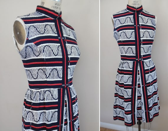 Vintage 1960s Red White and Blue Stripe Jacquard P