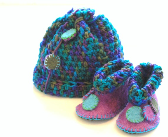Baby Booties, Baby Beanie, Baby Legwarmers, Wool Felt, Eco Friendly, Photo Prop, Super Soft, matching Booties Hand Sewn Gift Baby Slippers