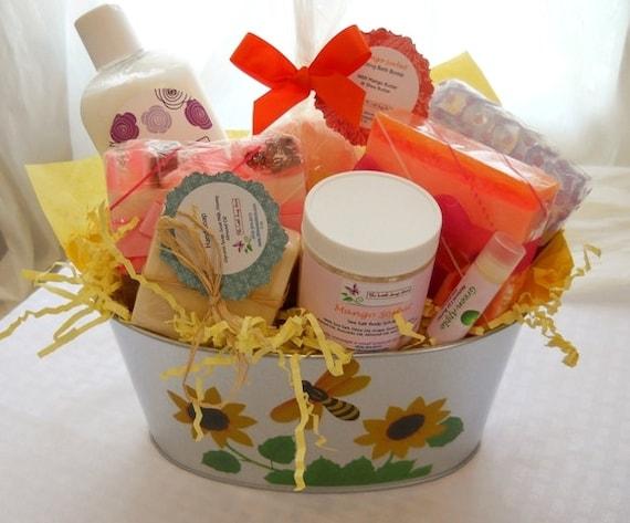 Deluxe Bath Gift Basket