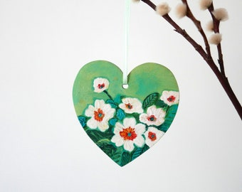 Green Heart, Floral Hanging Easter Decoration, Mother's Day Gift Idea, White Primrose Flowers Painting