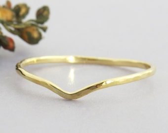 14K Gold V Ring, Gold Chevron Ring, Hammered Gold Ring, Delicate Stacking Ring, Gold Stacking Ring, Thin Stackable Gold Ring, Gift
