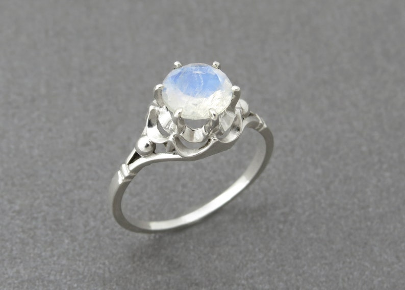 Vintage Style Moonstone Ring Antique Style Silver Ring With Moon Stone Gemstone Gemstone Ring. Friendship Ring Moonstone Engagement Ring