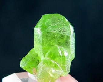 14.56 Grams 100 /% Natural Green Peridot Crystal Mineral Specimen From Kohistan Pakistan.
