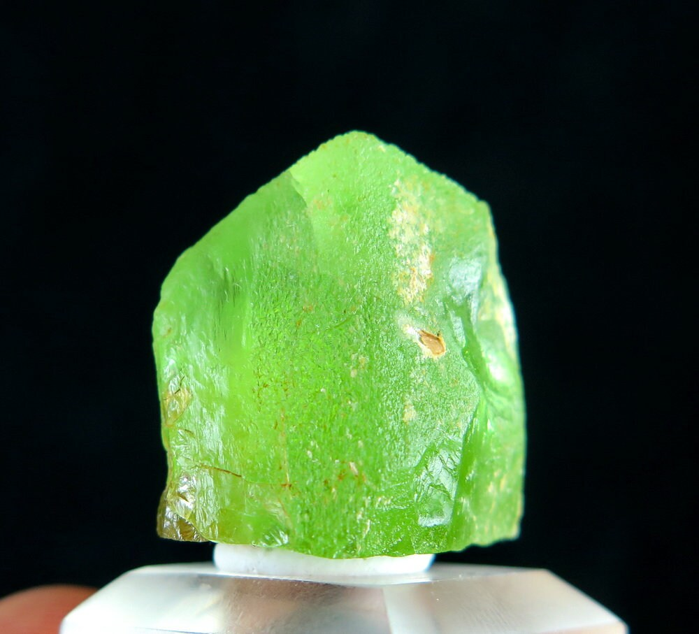 14,56 grammes grammes grammes 100 % naturel vert péridot cristal minéral spécimen du Kohistan Pakistan. f5d9e9