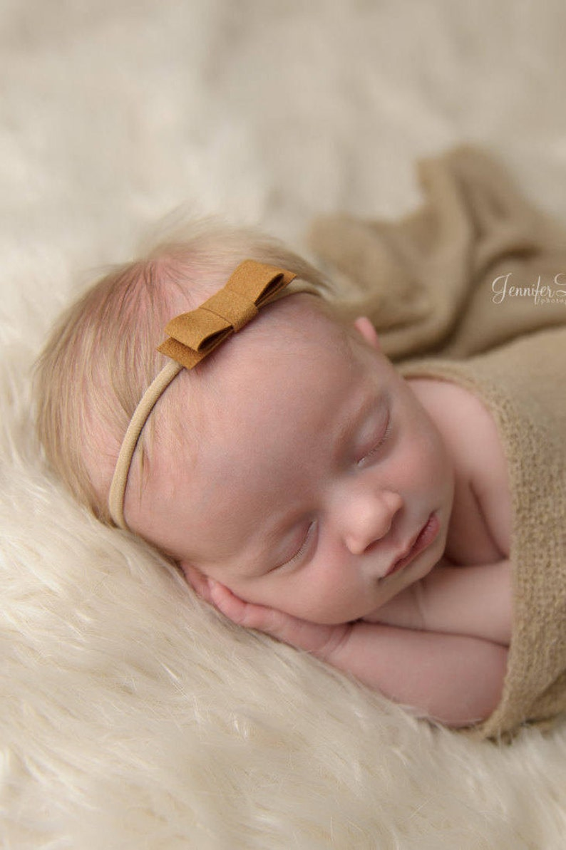 8156423371af6d Leder Mädchen Schleife Baby-Leder-Stirnband Leder Wildleder | Etsy