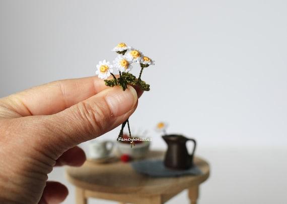 Ein Häkeln Daisy Puppenhaus Miniatur Maßstab 1 12 Dekor Etsy